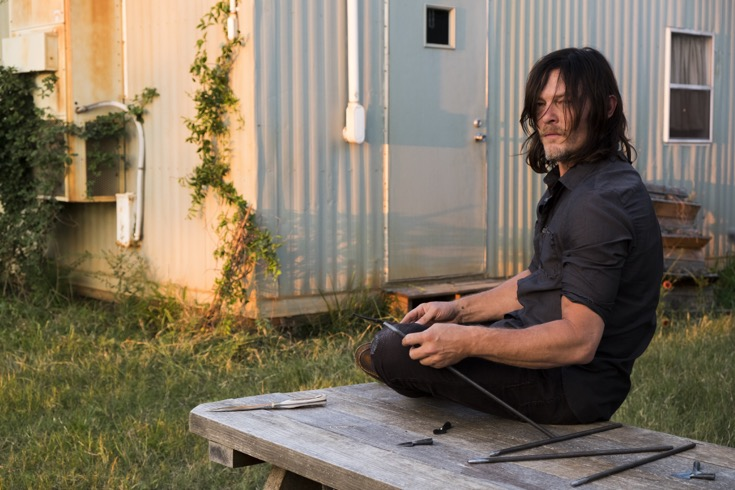 The Walking Dead Spoilers: Season 7 Episode 14 - Rosita and Sasha Go After Negan - The Saviours Come To Hilltop Looking For Someone